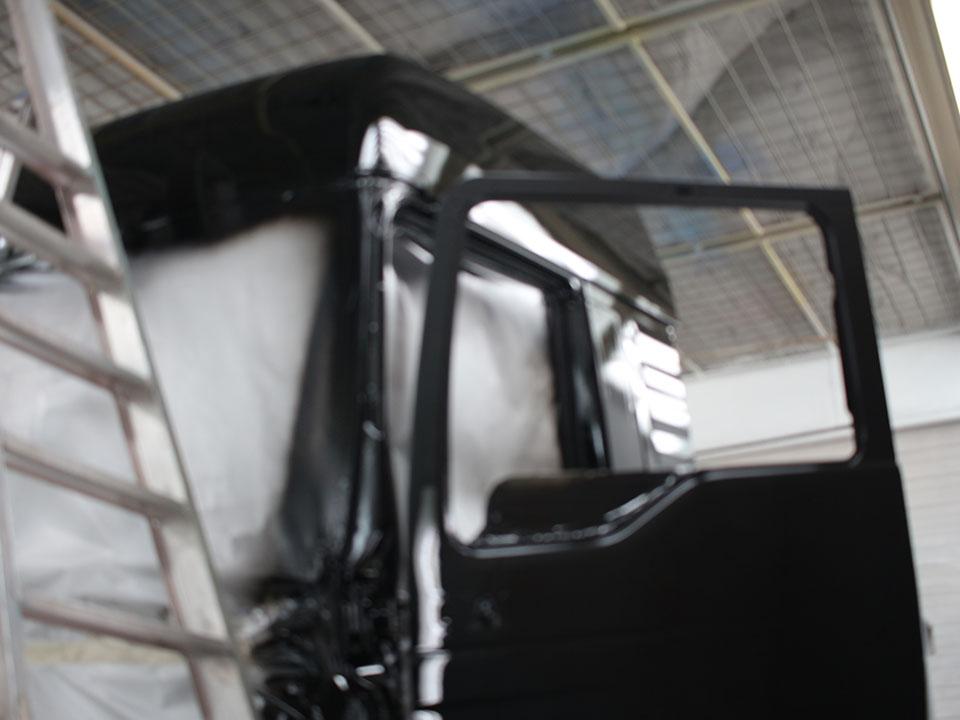 Spuitwerk vrachtwagen - herspuiten carrosserie
