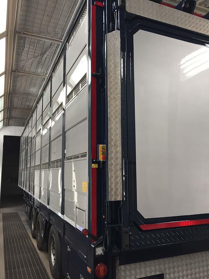 Herspuiten veecontainer - vrachtwagen